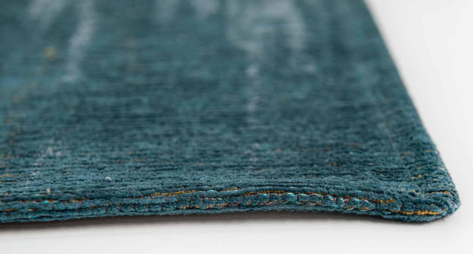 Louis De Poortere rug CS 9119 Atlantic Monetti Nymphea Blue side
