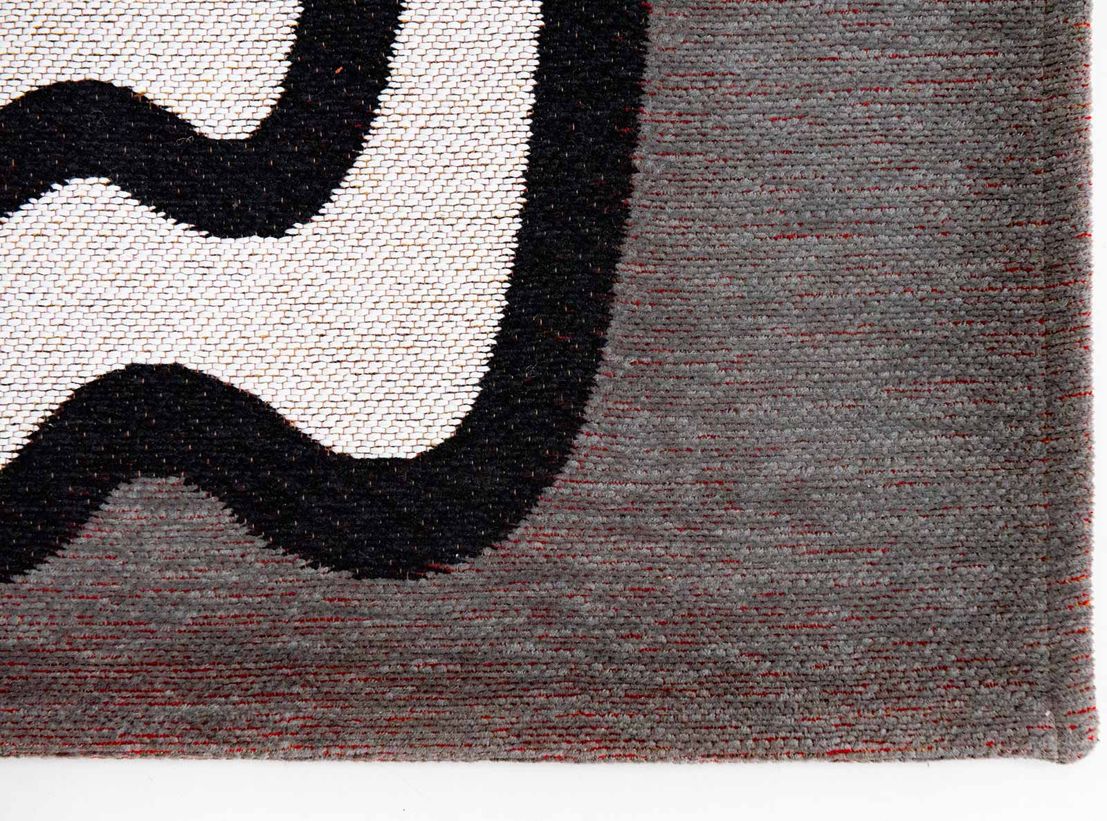 Louis De Poortere rug CS 9143 Gallery Dora Dorado corner
